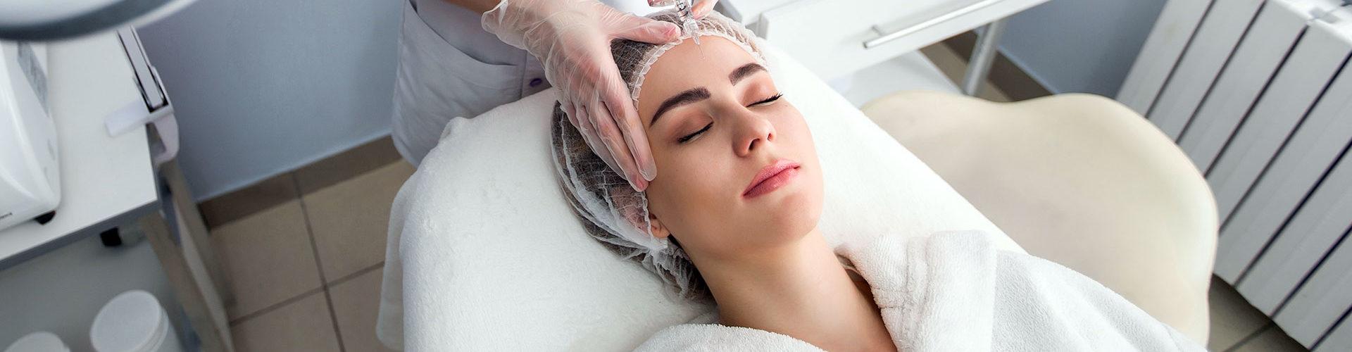 Injection d'acide hyaluronique et Botox, des pratiques en forte hausse